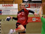 Julia Fritsche war überragende Spielerin beim TuS Hollenstedt. Sie führte auf der Mittelposition Regie und steuerte 6 Tore bei.